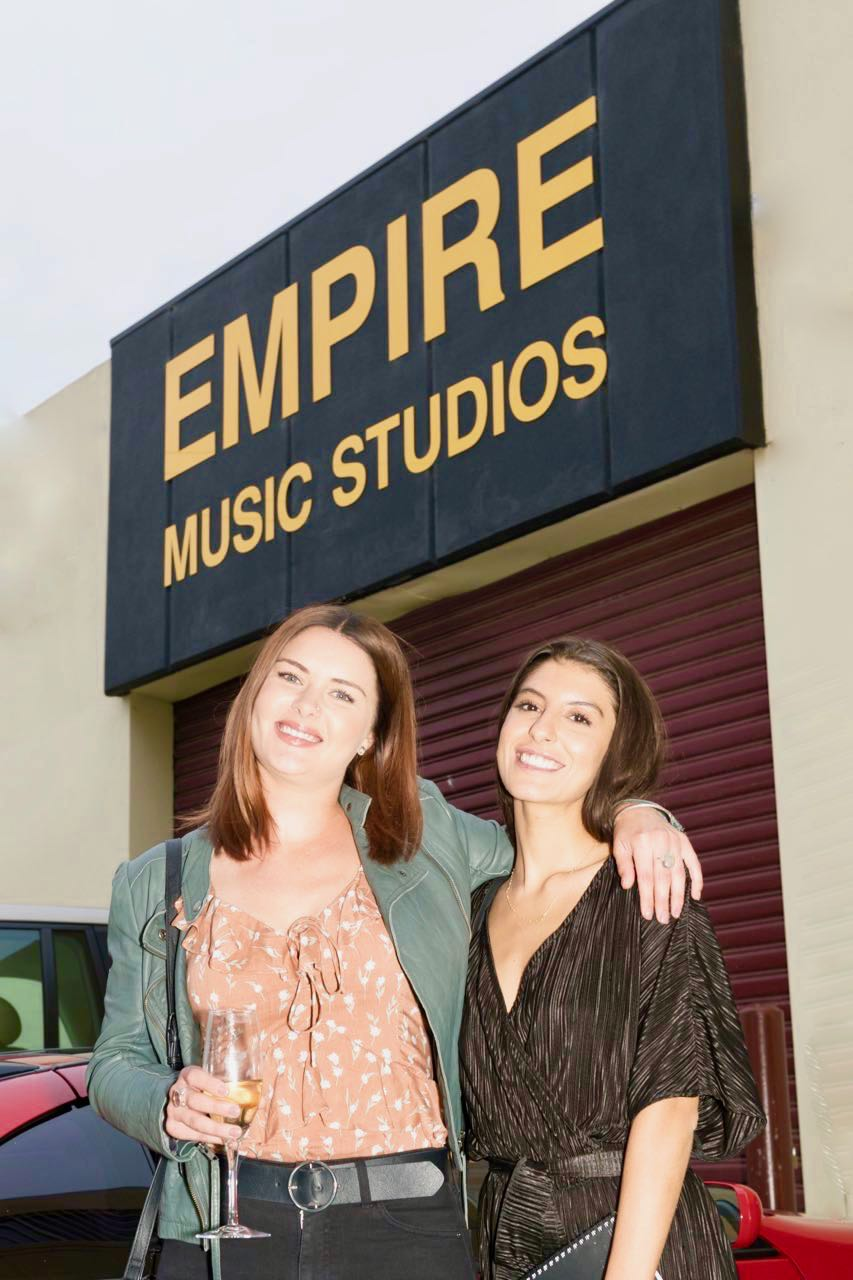 Girl-singers-out-front-Empire
