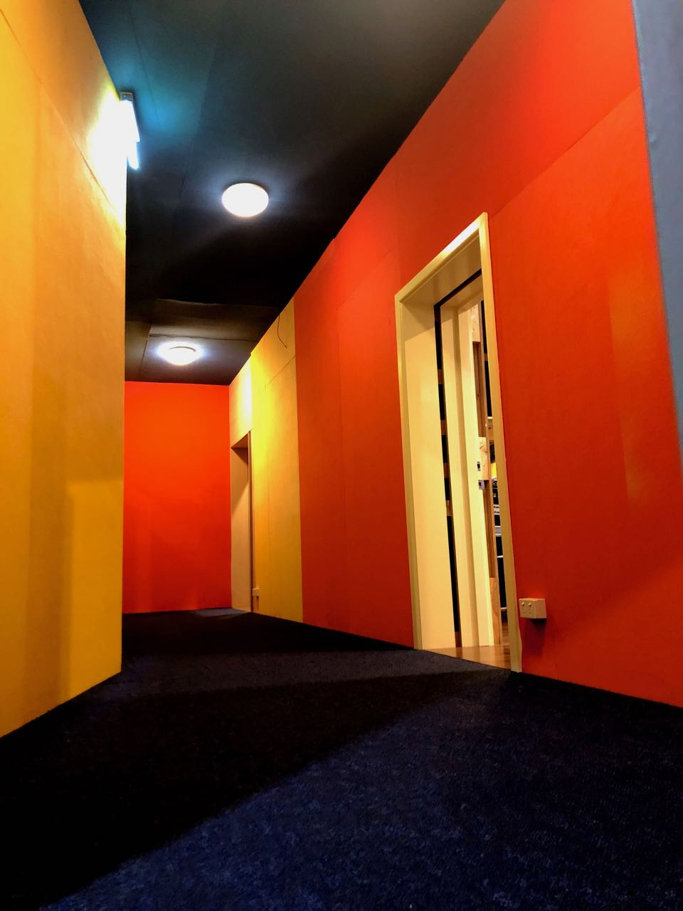 Studio-2-hallway