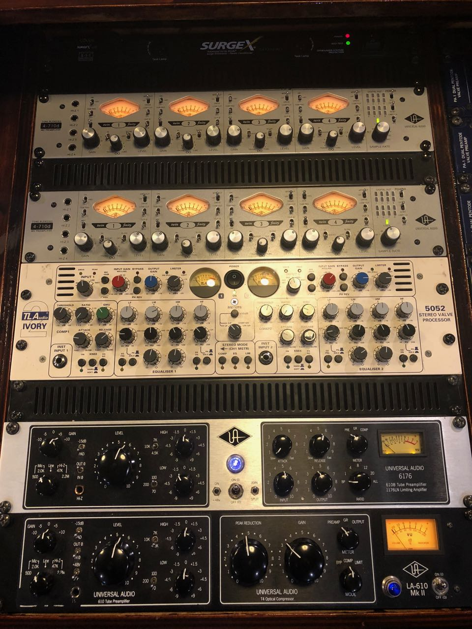 Studio-2-rack-with-Universal-Audio