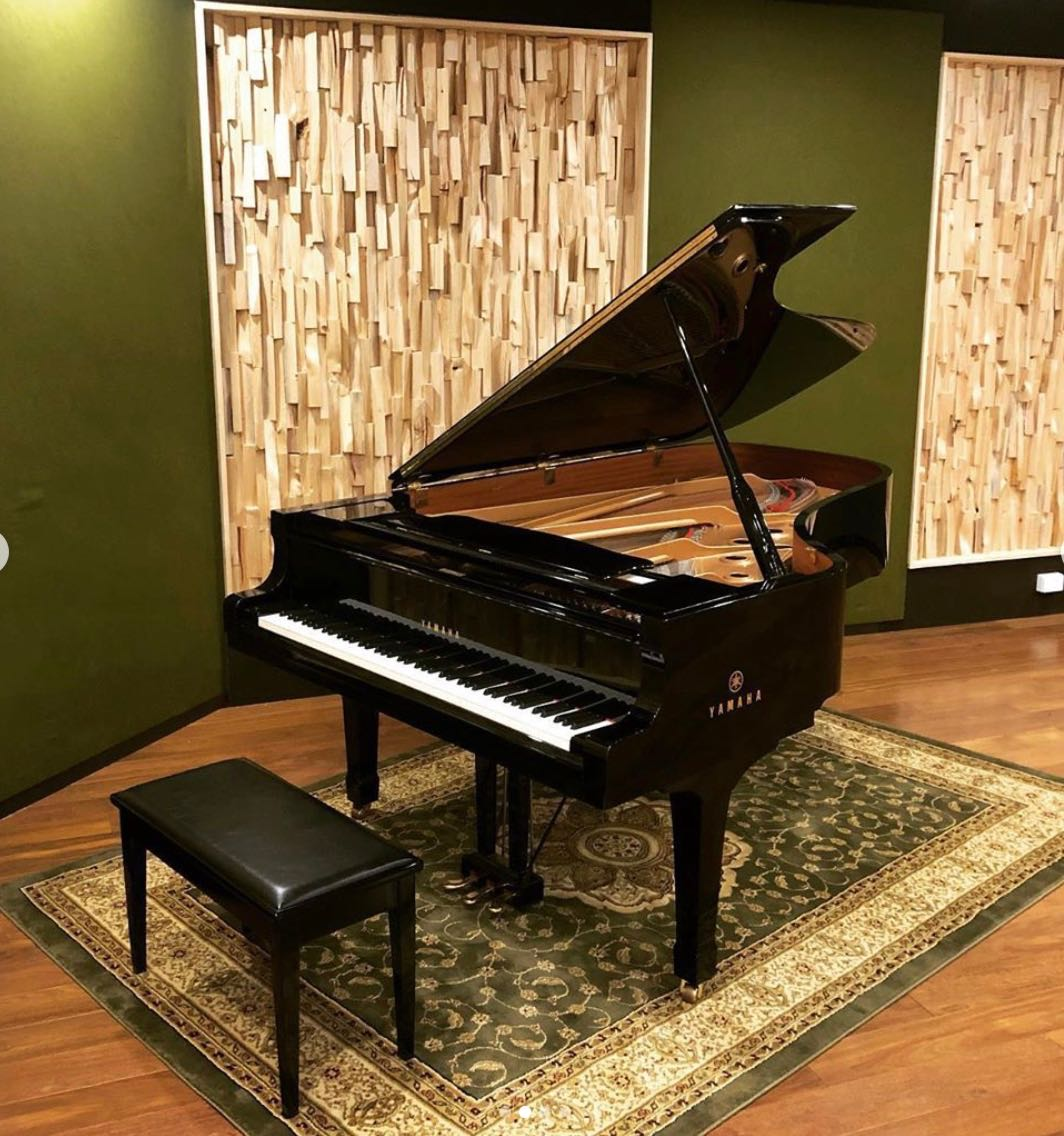 studio-2-Yamaha-C7-Grand-Piano